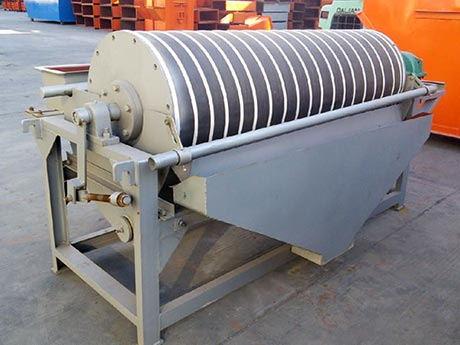 铁矿石干式磁选机