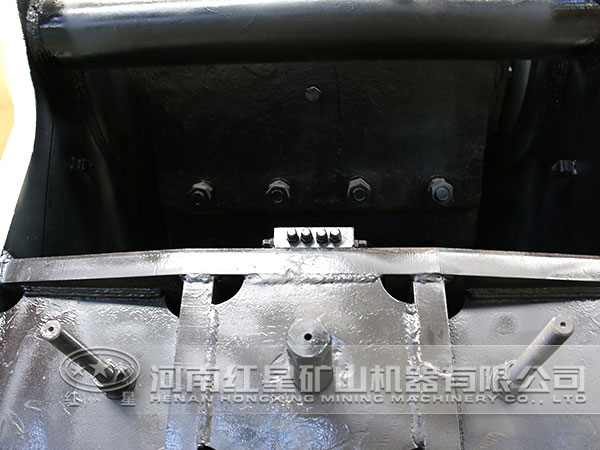 颚式破碎机调节装置